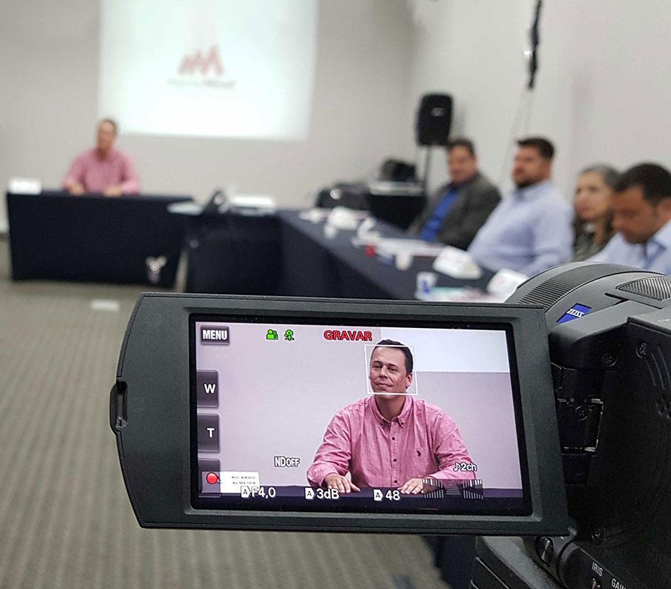 http://mastermindcampinas.com.br/wp-content/uploads/2018/05/treinamento_de_oratoria.jpg